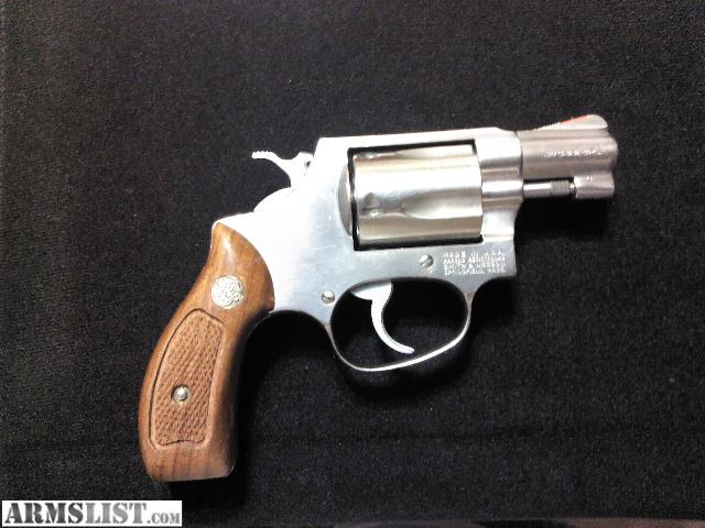 For sale smith amp wesson model 60 38 special stainless steel