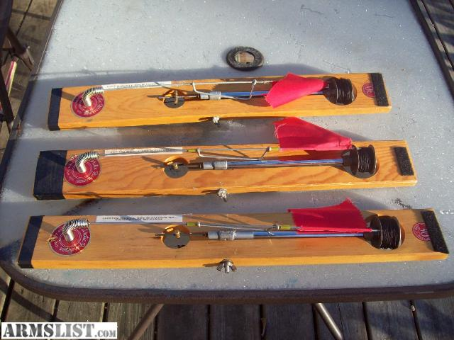 beaver dam tip up hook holder Beaver dam tip-ups hook holder is added to the base of the flag rod to keep your leader in straight and your hook in a safe place when not in use.