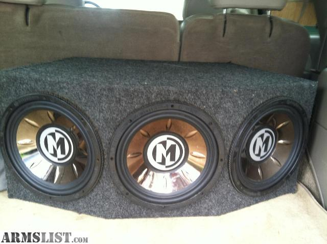 Memphis subwoofer in box