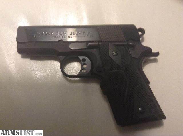 Gun used very little awesome carry gun very accurate comes with 2
